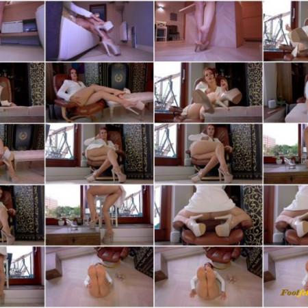 Polishia Mistress – Dildo Feet Joi