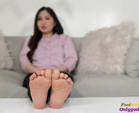 Goddess Lila - Focus Foot Bitch (Premium User Requests)