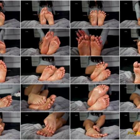 Yourfeetsweetiee - Sweet oily Soles nude toes