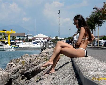 Barefoot Urban Girls – SWAINS: Barefoot Life Goes On 3