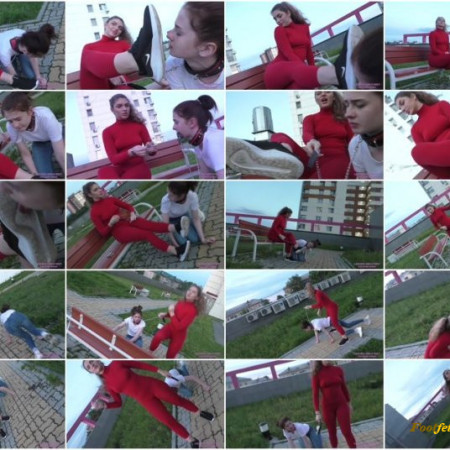 Licking Girls Feet – Let's take a walk together – Outdoor humiliation