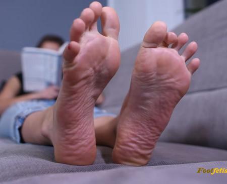 Czech Soles - Megan - Goddess Megan ignoring her foot slave