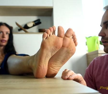 Czech Soles – Employee gets caught and must worship his boss's feet and high heels