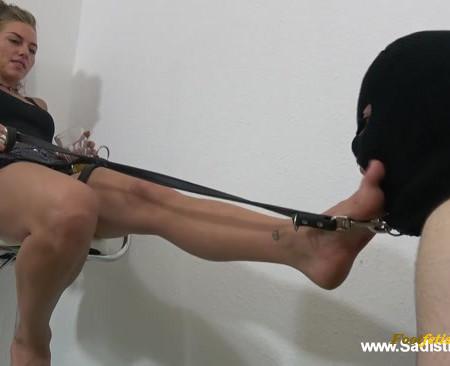 Courtney - Furios Foot Humiliation