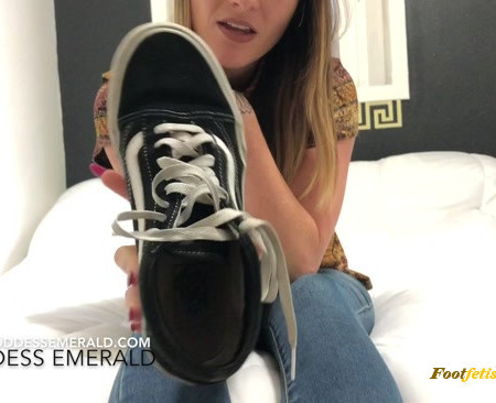 Goddess Emerald – Enslaved to Emerald's Feet