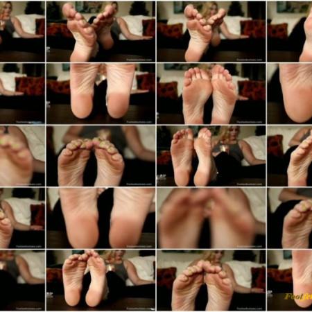 Footsie Tootsies – Marilyn Midas