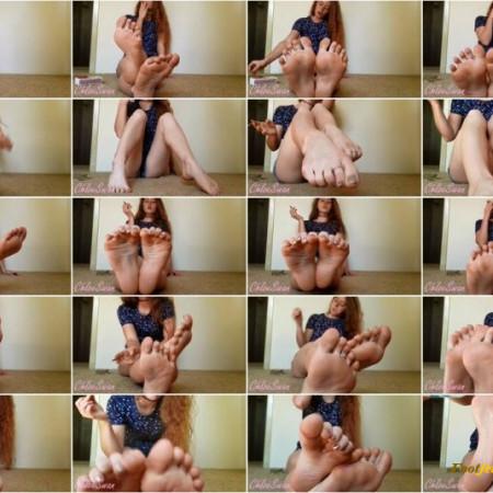 Chloe Swan - Smoking Foot Ignore