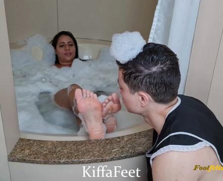 Kiffa Feet Deusa – Sexy Dominant maid punishes Chauvinist sexist Big Boss