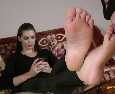 Lady Sofia - Foot Slave