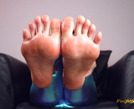Luna Sapphire – Sorceress Sapphire Foot Spell