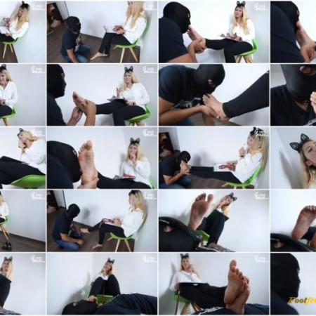 Czech Soles - Bunny - Czech language lesson with a foot slave