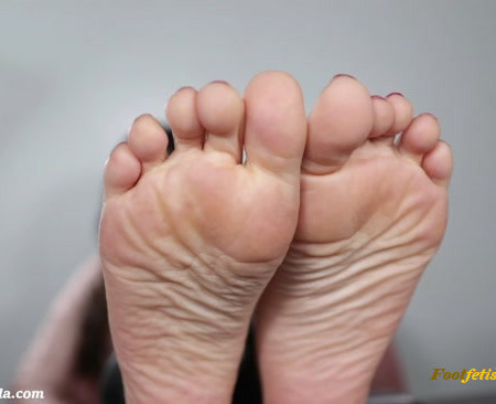 Goddess Lila - Stay Home & Pay Feet (Premium User Requests)
